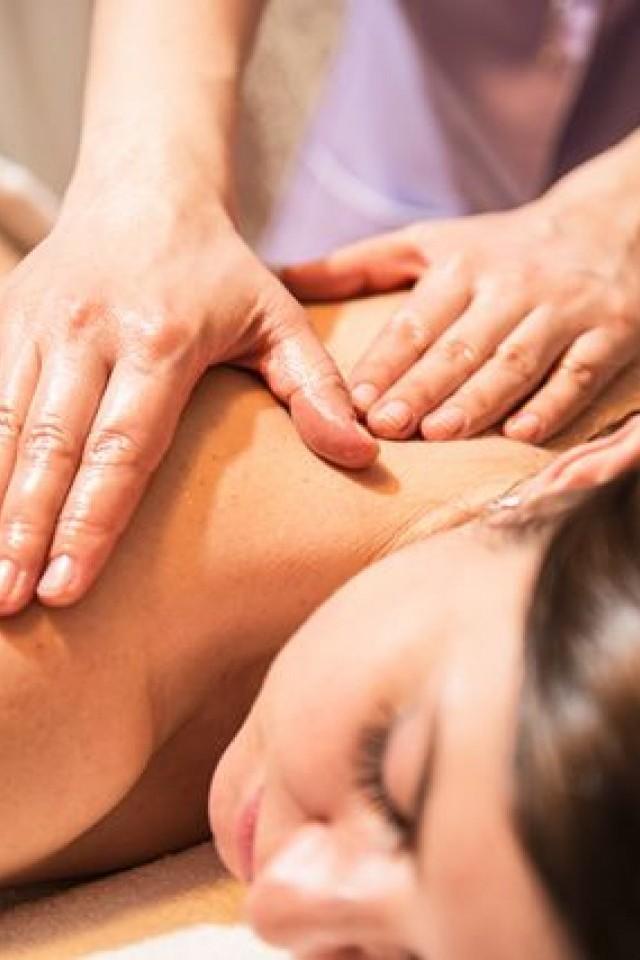 smotret-erotich-massazh