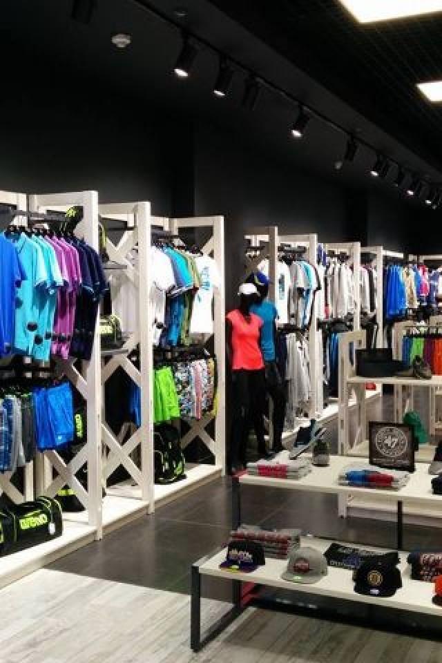 319117e8 Arena - магазин спортивной одежды ТРЦ