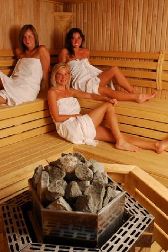 sauna-foto-chastnie-devushek